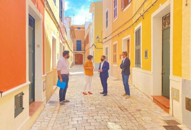 El Govern presenta una nueva convocatoria para la rehabilitación de edificios del casco antiguo de Ciutadella