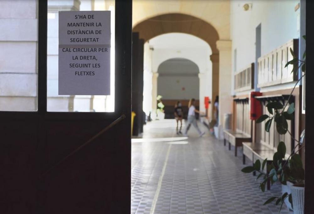 34 estudiantes y un profesor dan positivo esta semana, la mayoría en Mallorca