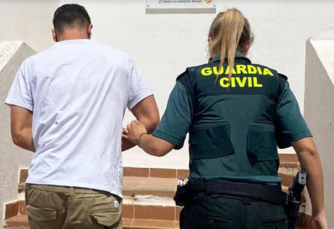 La Guardia Civil ha detenido a un hombre con gran cantidad de diferentes drogas en Santa  Eulalia