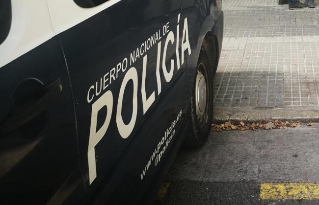 La Policía Nacional detiene a un hombre por malos tratos hacia su hijo