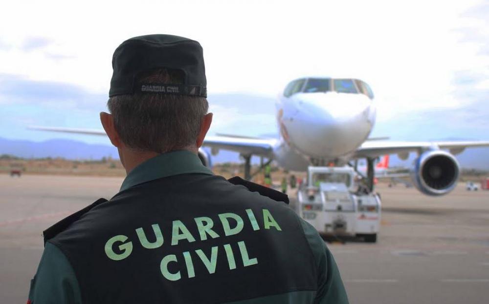 La Guardia Civil ha detenido a un hombre por robar un bolso de un turista en el Aeropuerto de Ibiza