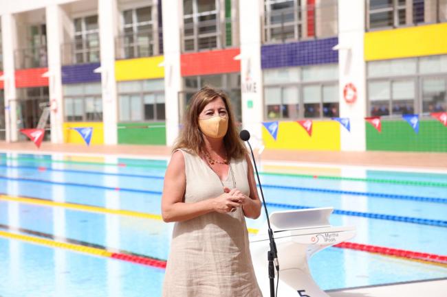 Armengol visita el final de obra de la remodelación de las piscinas de Son Hugo