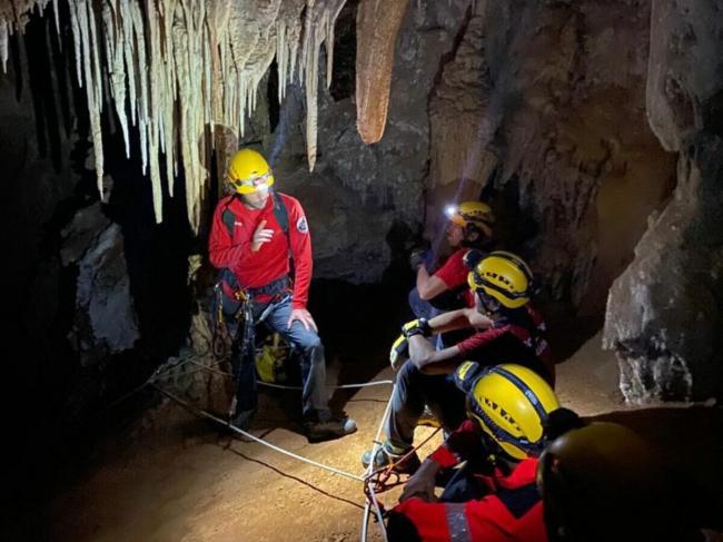 Los nuevos bomberos del Grupo de Rescate de Montaña finalizan su proceso de formación