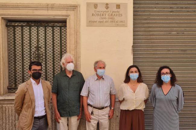 Dedican una placa a Robert Graves en la casa donde vivió en Palma