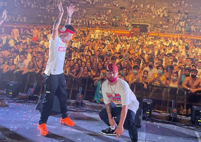 La causa de los múltiples brotes entre estudiantes son el concierto de Reggaetón en la plaza de Toros de Palma y las fiestas del Arenal