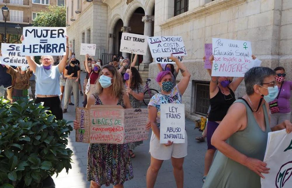 Manifestación Feminista en Palma en contra de la autodeterminación del sexo