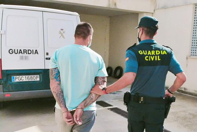 La Guardia Civil ha detenido a dos hombres tras cometer un delito de hurto en Pollença
