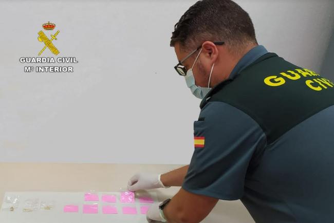 La Guardia Civil ha detenido a un hombre por un delito contra la salud pública en Ibiza