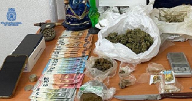 La Policía Nacional detiene a dos personas por un delito de tráfico de drogas