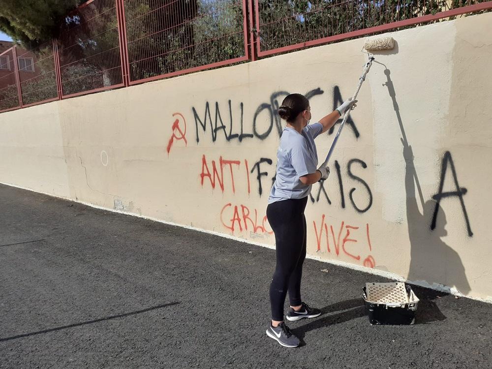 Palma inicia la limpieza de más de 160 grafitis en los centros de educación infantil y primaria