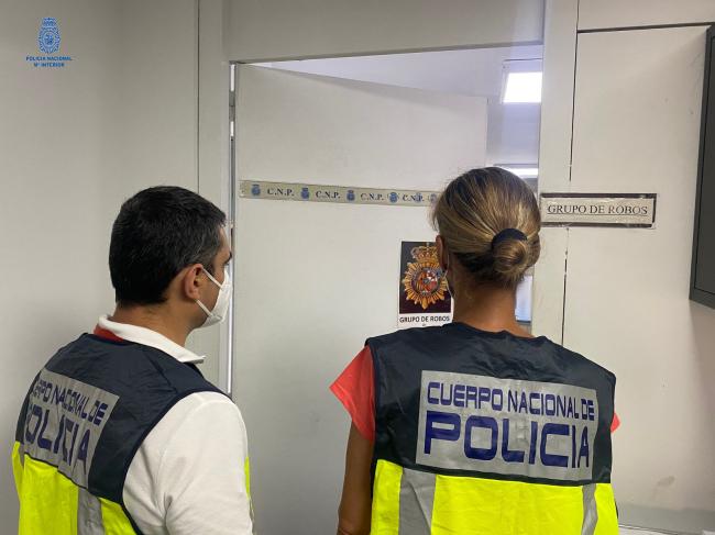La Policía Nacional detiene a un hombre por múltiples robos con fuerza en domicilios habitados