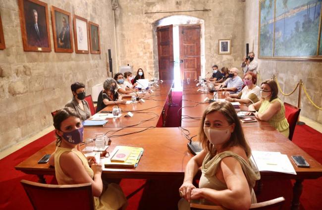 Armengol i la ministra Montero se reúnen con el Grup d'Estudi de la Prostitució