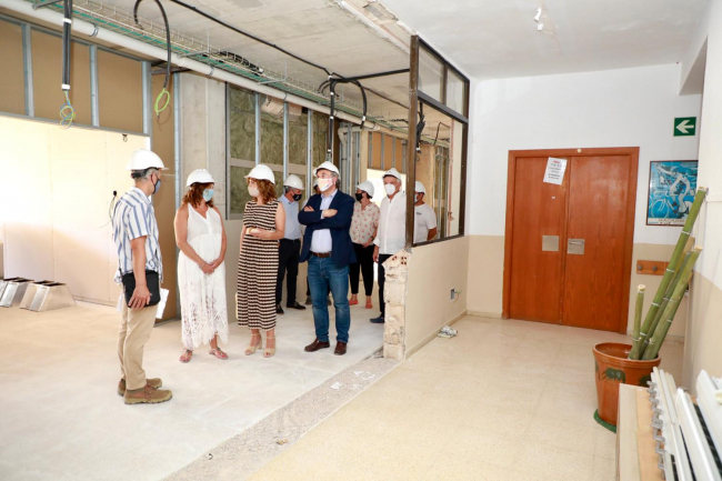 Armengol y March visitan las obras de ampliación de la Escola Nova de Porreres