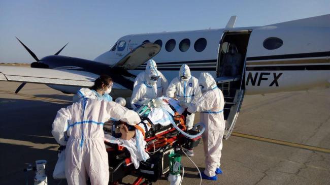 El SAMU-061 coordina el traslado en avión de un paciente con COVID-19 y oxigenación extracorpórea