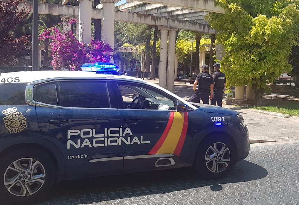 La Policía Nacional detiene a un hombre por abuso sexual y exhibicionismo a una menor de edad