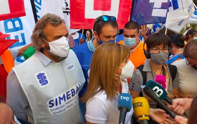 Enfermeras y fisioterapeutas protestan en Palma por el reparto del Plus Covid