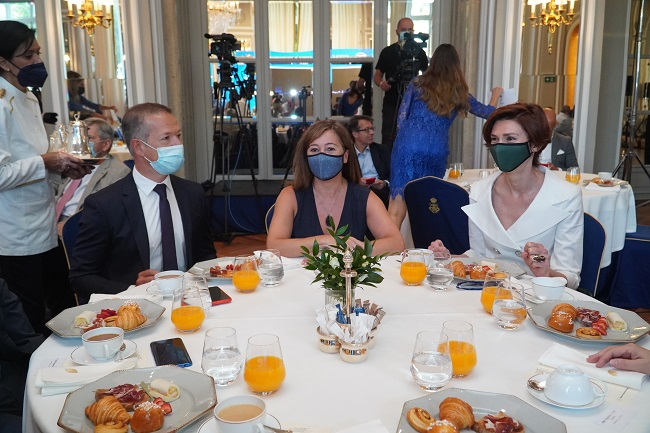 Armengol confirma el inicio de la reactivación de la economía en Balears gracias al esfuerzo ciudadano y al éxito de la vacunación
