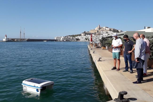 Eivissa y Palma, primeros puertos de España en usar un robot de limpieza del agua en sus concesiones