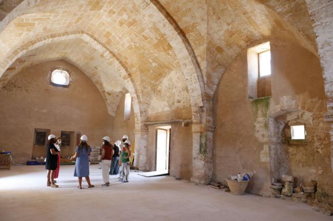 El Consell reafirma su compromiso con la rehabilitación del monasterio de Bellpuig