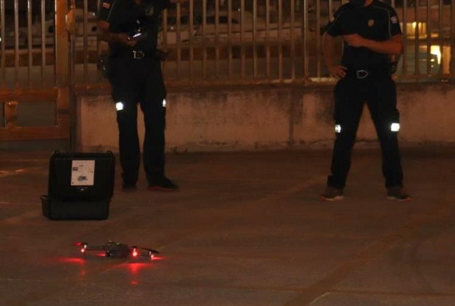 El dron de Emergencias ya trabaja en el dispositivo policial para detectar aglomeraciones o botellones