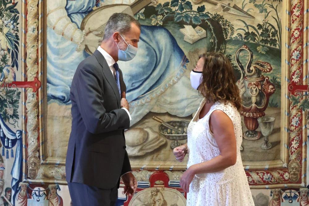 El Rey Felipe VI ha recibido a la presidenta Armengol en el Palau de l'Almudaina