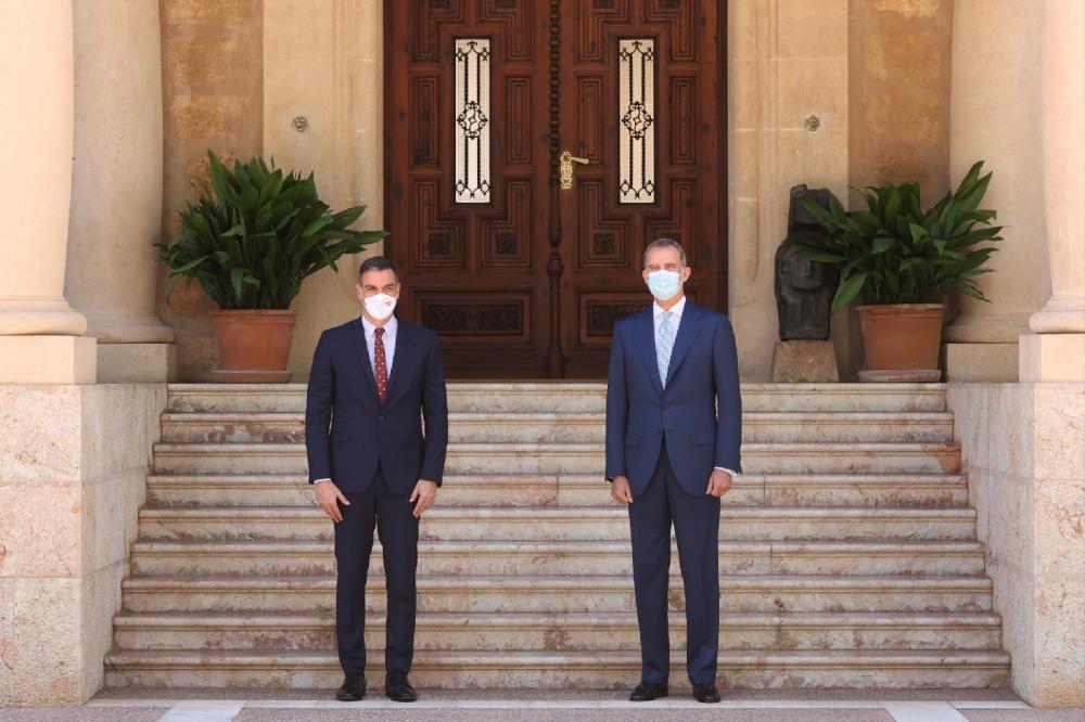 El Rey ha mantenido un despacho con el presidente del Gobierno, en el Palacio de Marivent