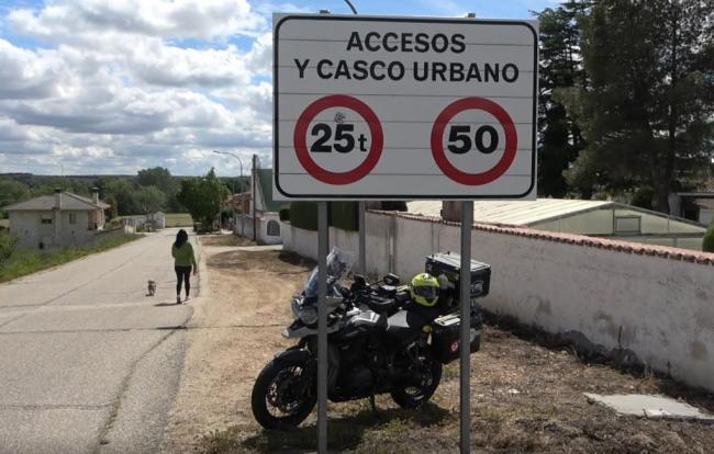 La unión de los motociclistas (IMU) ha solicitado que se retiren todas las sanciones por circular a más de 20 y 30 km/h. en zona urbana