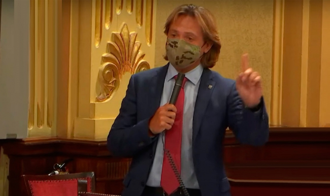 Jorge Campos: «Los fanáticos catalanistas se inventan denuncias»