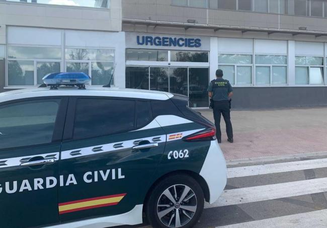 Una mujer en Menorca da a luz a una niña en el interior de un coche patrulla de la Guardia Civil