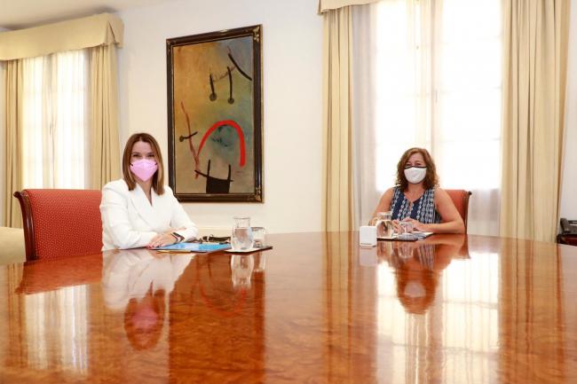 La presidenta Armengol se reune con la presidenta del PP Balears