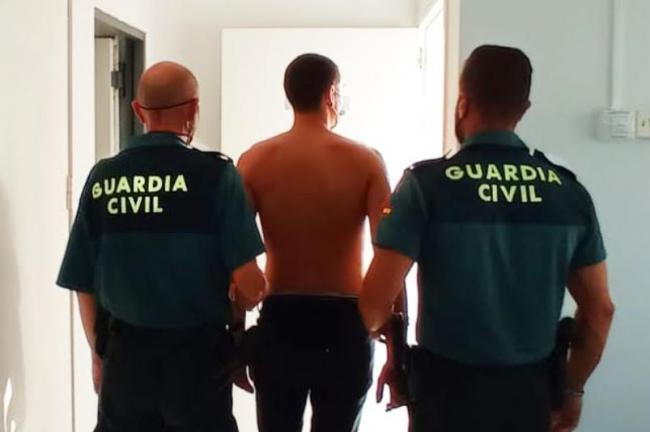 La Guardia Civil detiene a un hombre por un delito de tráfico de drogas