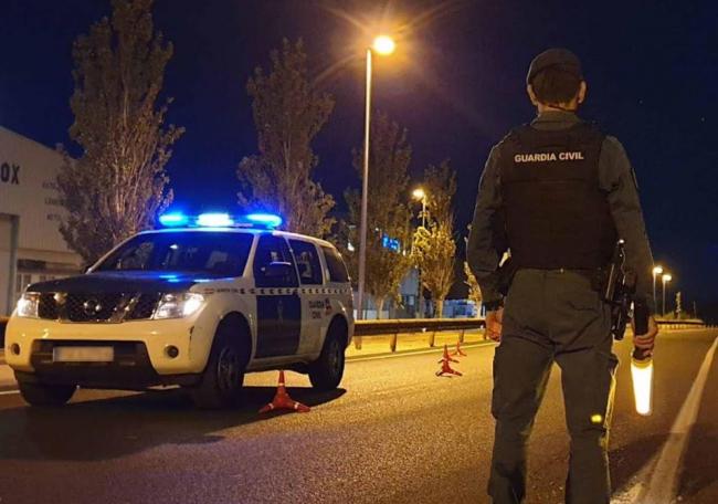 La Guardia Civil detiene a dos personas por el intento de ocupación de una vivienda en el Puerto de Alcudia