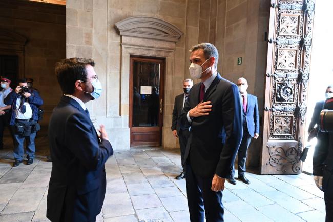 Pedro Sánchez, ha comparecido en el Palau de la Generalitat tras reunirse con el president de la Generalitat