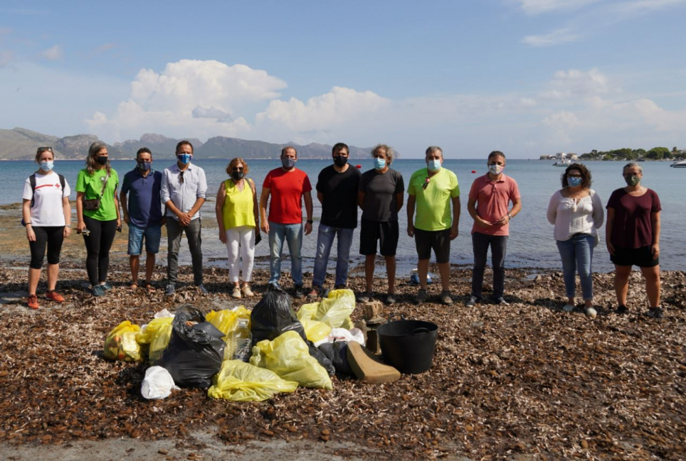 Recogen 245 kilos de residuos a la Reserva Natural de s'Albufereta