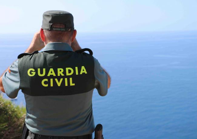 La Guardia Civil ha detenido a dos hombres que transportaron migrantes en una embarcación de las arribadas este fin de semana