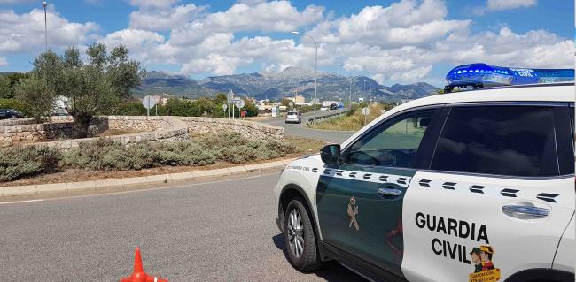 La Guardia Civil ha detenido en Inca a un hombre por un robo en una vivienda y a dos más por tráfico de drogas