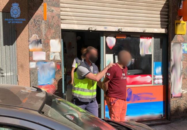 La Policía Nacional da por culminada una operación relacionada con el blanqueo proveniente del tráfico de drogas