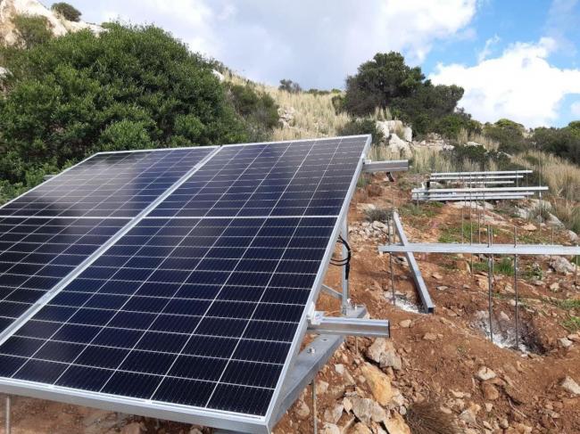 Comienza la Instalación de placas solares en sa Dragonera