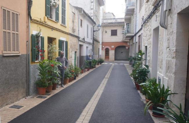 La reforma de la plaza de S'Antigor y de la calle dels Gerrers contribuye a un Manacor más accesible para las personas