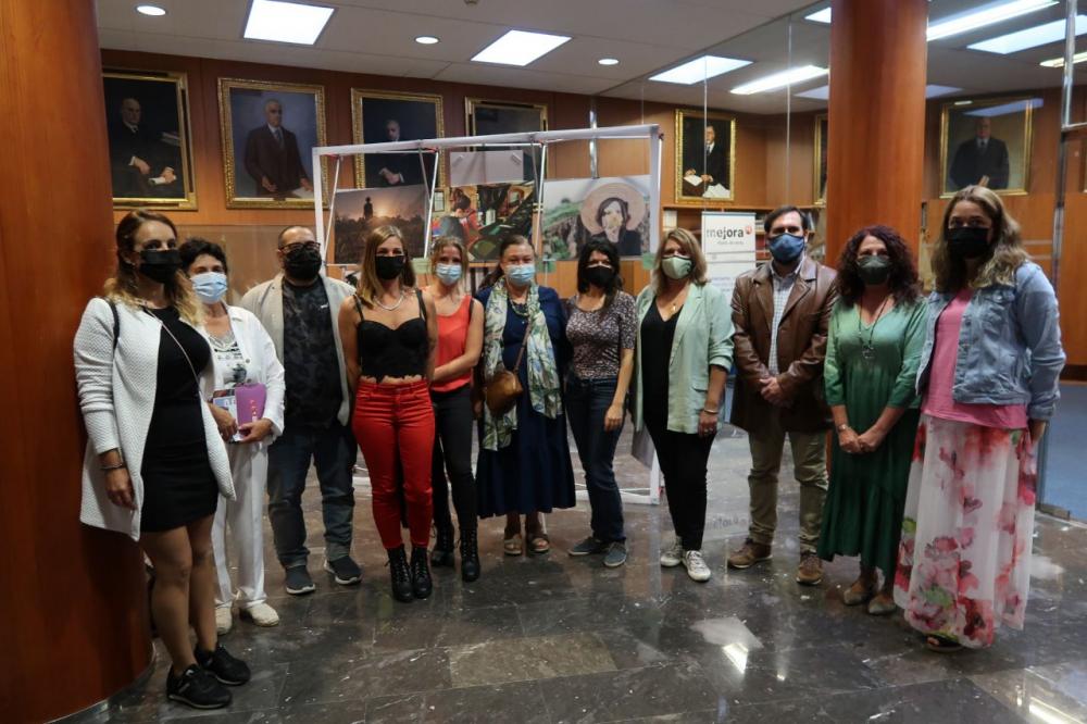 Agricultura entrega los premios del II certamen de fotografía 'De la mar y de la tierra' para visibilitzar la mujer rural