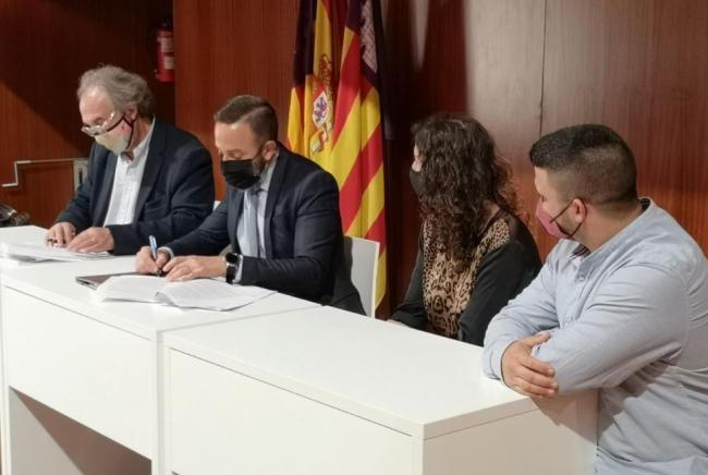 Firmado el convenio con el Ayuntamiento de Capdepera para la ampliación de una escoleta 0-3
