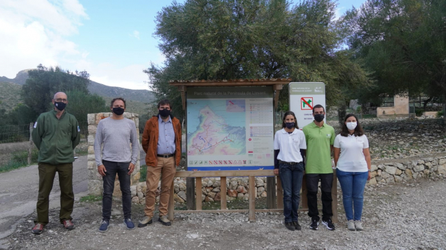 Más de 13.000 personas han sido informadas en los parques naturales de Es Trenc y Llevant